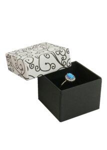 Ékszertartó díszdoboz gyűrű számára, fehér fekete